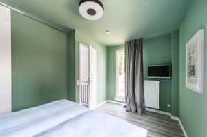 Master Bedroom mit Balkon